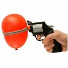 Party Russisches Roulette mit Pistole und Ballons