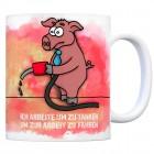 Kaffeebecher mit armes Schwein Motiv und Spruch: Arbeite um zu tanken...