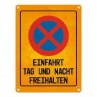Einfahrt Tag und Nacht freihalten Warn- und Hinweisschild in Gelb/Schwarz mit Piktogramm