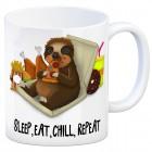 Kaffeebecher mit fressendes Faultier Motiv und Spruch: Sleep eat chill repeat