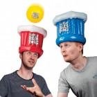 XXL Beer Pong Trinkspiel mit aufblasbaren Hüten und Ball